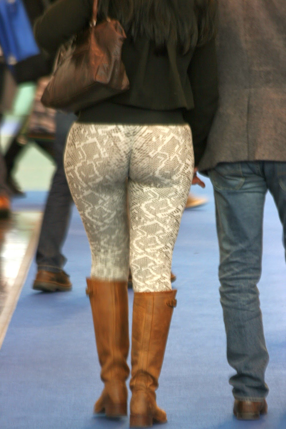 Tight mature leggings
