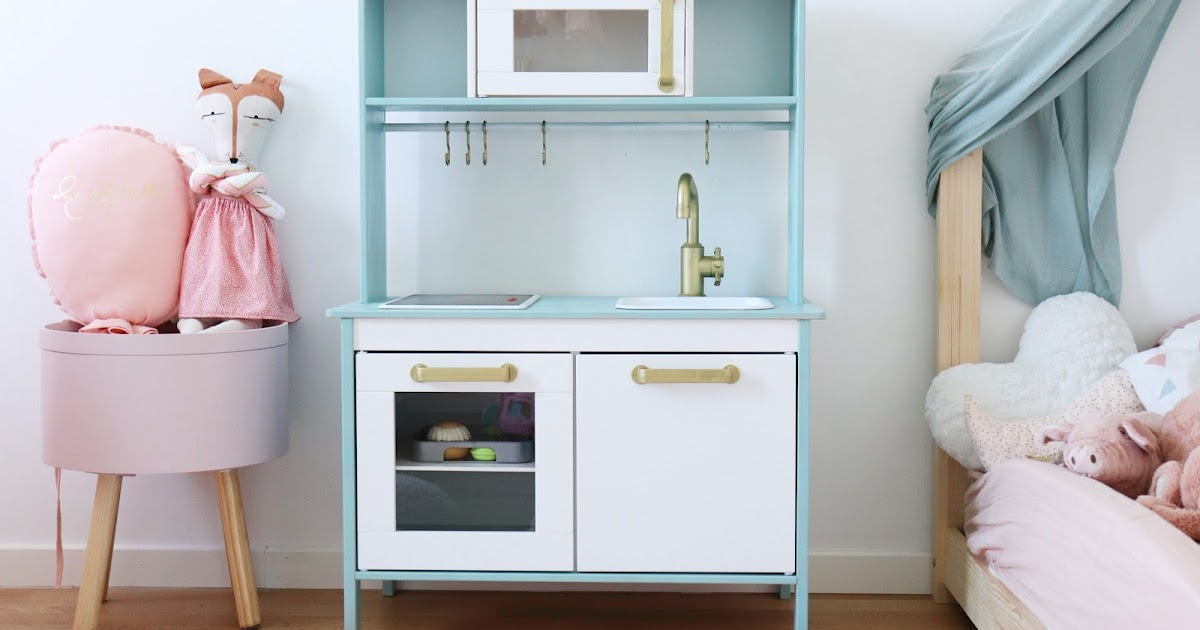 duktig hack notre custom de la c l bre cuisine ikea autour d 39 erynn. Black Bedroom Furniture Sets. Home Design Ideas