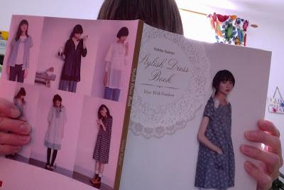 Yoshiko Tsukiori's Stylish Dress Book: 1