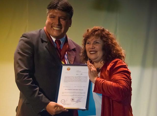 Presidente del Colegio de Periodistas El Loa recibe Orden al Mérito Ciudadano
