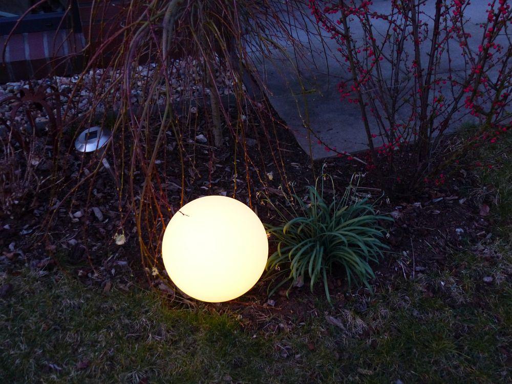 meine neue solarkugel f r den garten erdbeerchens testwelt. Black Bedroom Furniture Sets. Home Design Ideas