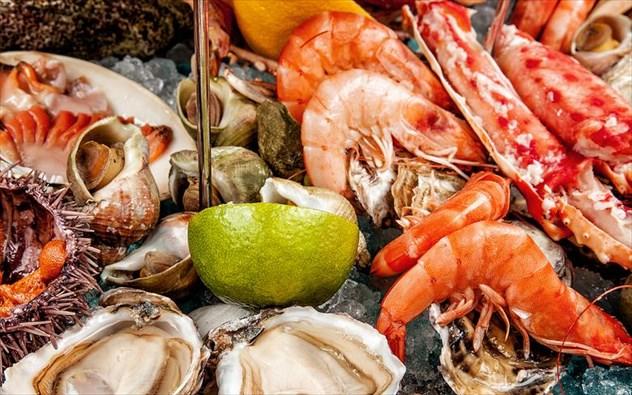 Πώς να ξεχωρίσετε τα φρέσκα θαλασσινά για την Καθαρά Δευτέρα
