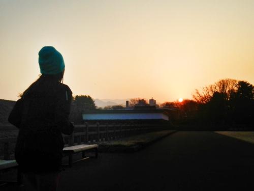 朝RUN@霞城公園 雲ひとつなく久々の春の朝日とご対面