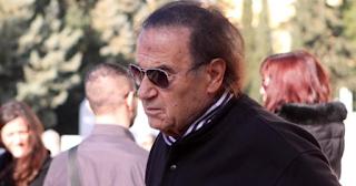 Ο Νίκος Παπαναστασίου ζει απομονωμένος, μετά την αυτοκτονία της κόρης του