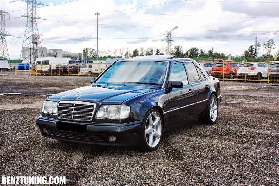 mercedes benz w124 e500 on r19 amg wheels benztuning. Black Bedroom Furniture Sets. Home Design Ideas