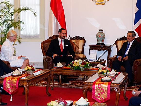 Prince Haakon and Princess Mette Marit met with Indonesian President Susilo Bambang Yudhoyono and his wife Ani