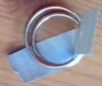Ring gantungan kunci untuk sabuk dari lakban