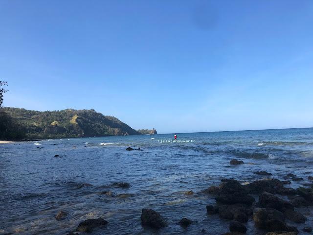 Memancing Pantai Pal Marinsow, Likupang Timur  | ©jelajahsuwanto