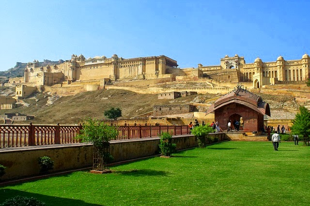 Amber fort in Jaipur, Rajasthan  IMAGES, GIF, ANIMATED GIF, WALLPAPER, STICKER FOR WHATSAPP & FACEBOOK