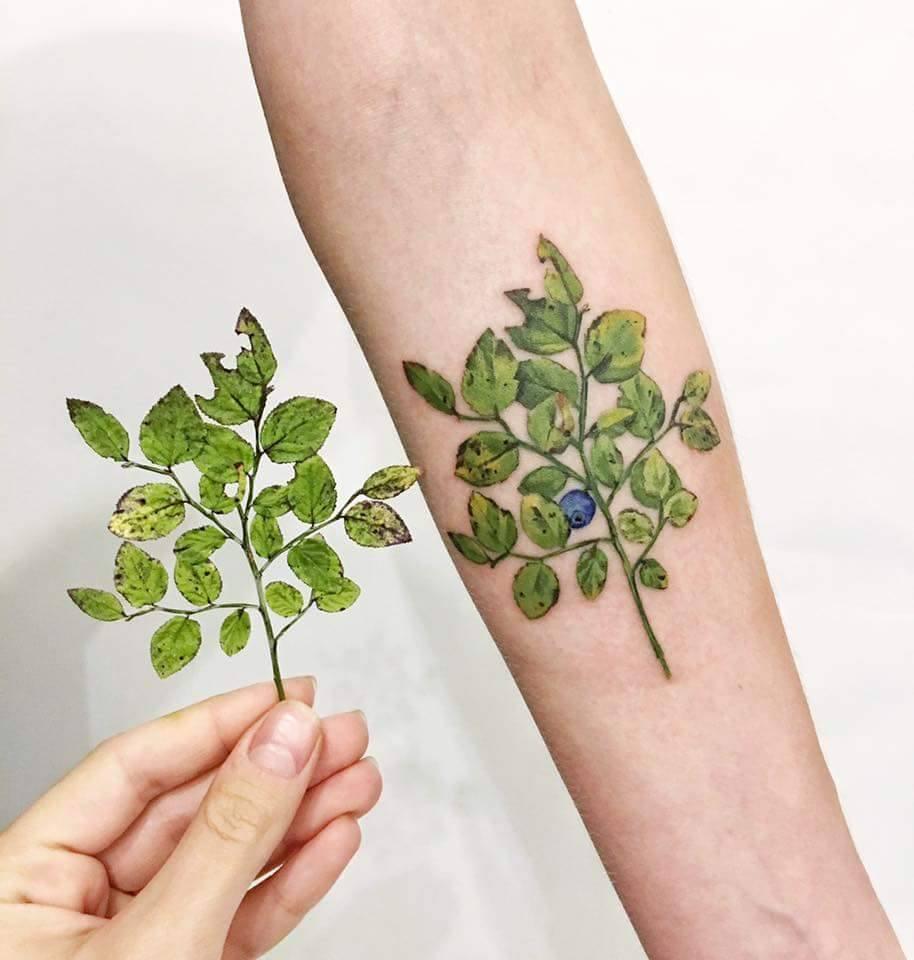 Najpiękniejsze realistyczne tatuaże florystyczne