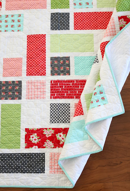 Grandstand quilt pattern found in the Fresh Fat Quarter Quilts book by Andy Knowlton of A Bright Corner - modern quilt in bright colors