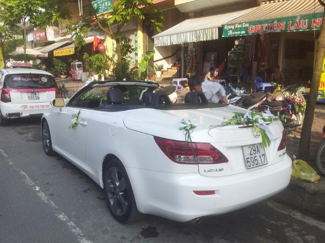 Cho thuê xe cưới mui trần cao cấp Lexus is250