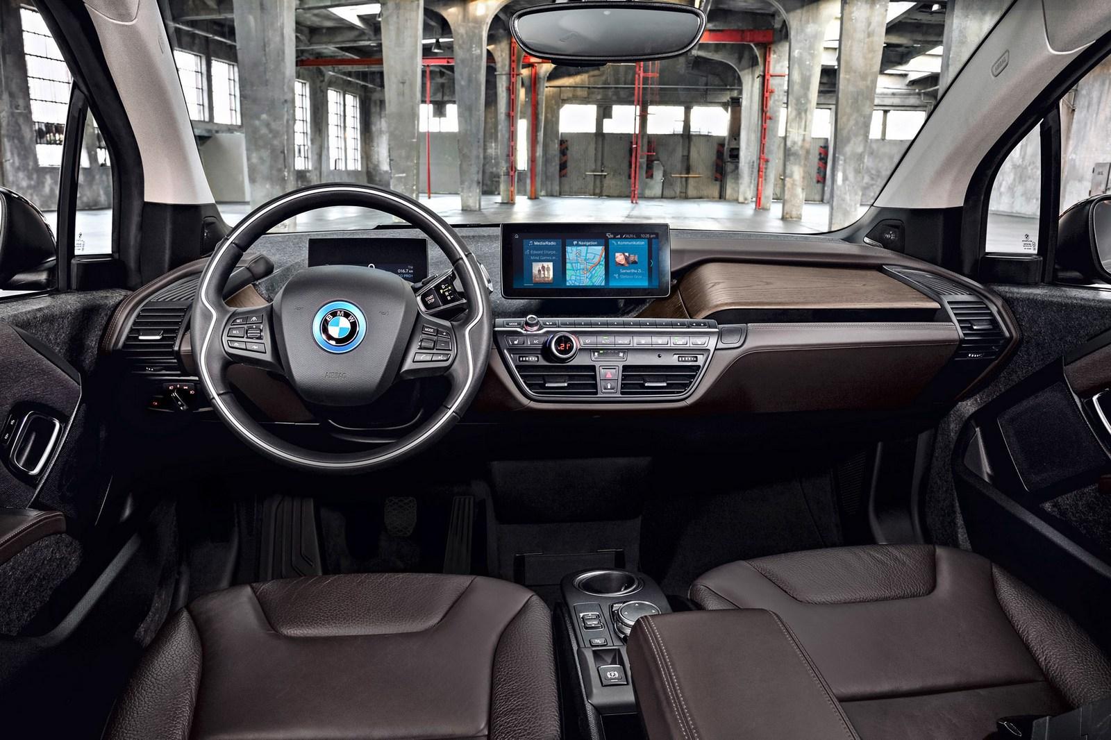2018-BMW-i3S-24