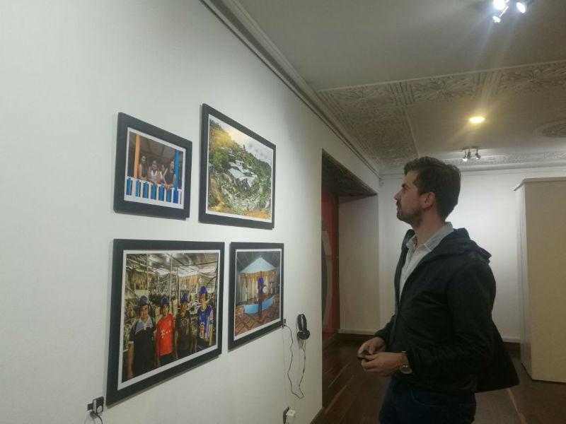'Defender', una exposición de arte que relata la defensa de los derechos en las regiones