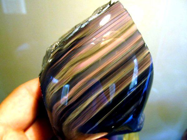 California Rainbow Obsidian Is a Natural Wonder (Photos)