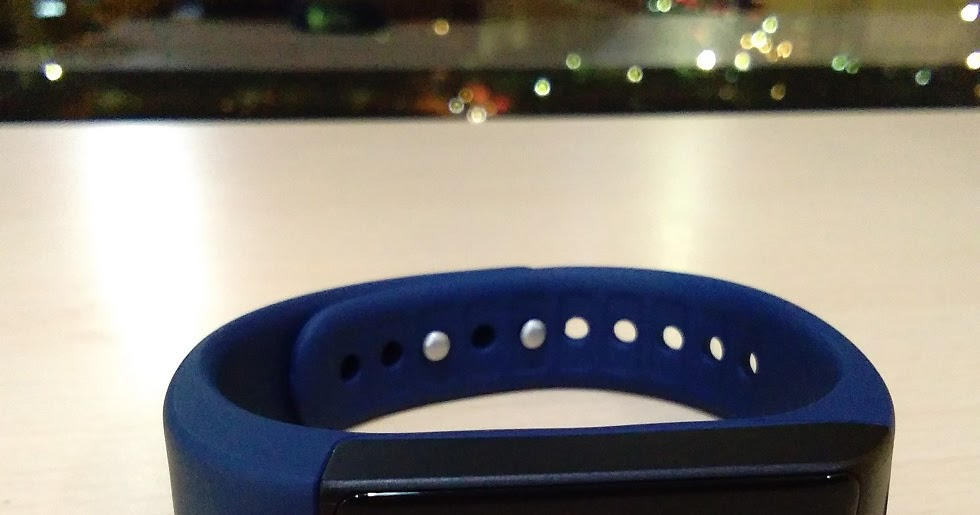 Atmos Fit Smartband Quick Review Fitness Tracker On A
