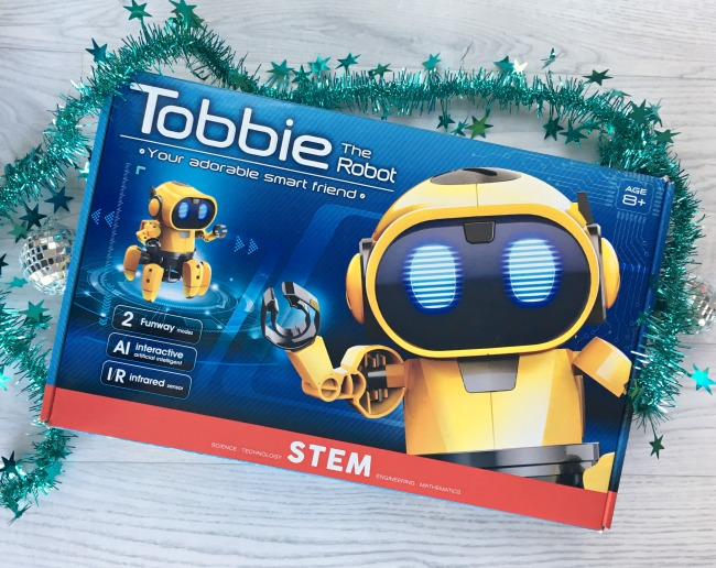 Menkind-Tobbie-the-robot-kit-box
