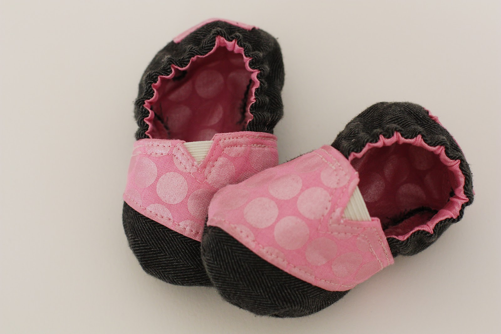 27ae6a08a76 A few weeks ago Sabra posted a pic on Instagram of some adorable TOMS  inspired baby shoes that she had made for her little Ivy