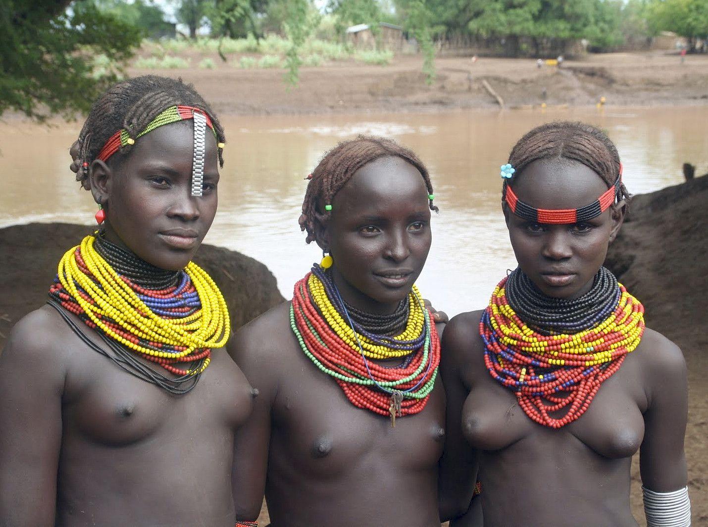 Секс туалете интим диких племен африки видео фото красивых