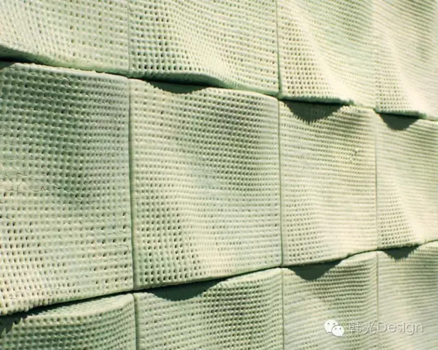 Scott Daniel工作室設計的Wave(波浪)瓷磚