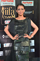 Akshara Haasan in Shining Gown at IIFA Utsavam Awards 2017  Day 2 at  29.JPG