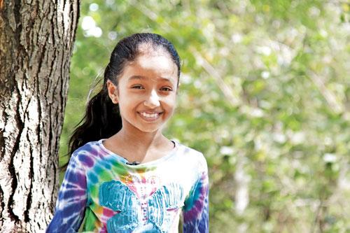Little girl Who stops wild elephant Speaks Gossip Lanka