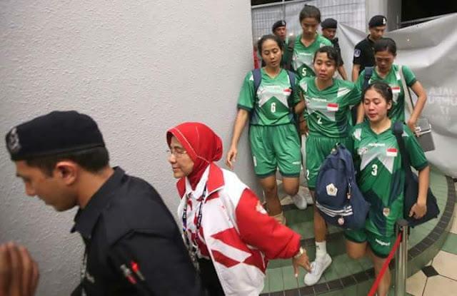 Video Pasukan Takraw Wanita Indonesia Tarik Diri, Jurulatih Tidak Puas Hati Pengadil!