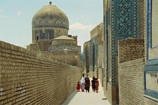 Ouzbékistan, Samarcande, nécropole Chah-e-Zindeh, © Louis Gigout, 1999