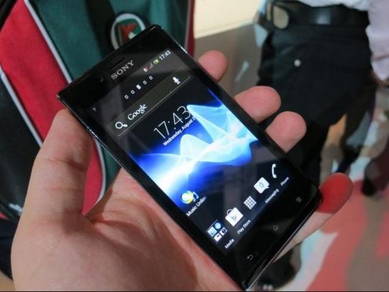 Harga HP Sony Xperia J Tahun 2017 Lengkap Dengan Spesifikasi, Layar 4 Inchi, Memori Internal 4GB, Kamera 5 MP