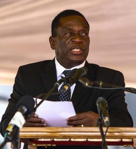 mnangagwa-promises-to-grow-economy-as-he-addresses-crowd
