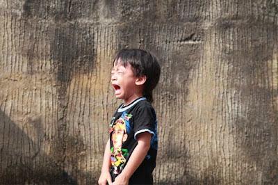 Cara mengatasi anak yang cengeng