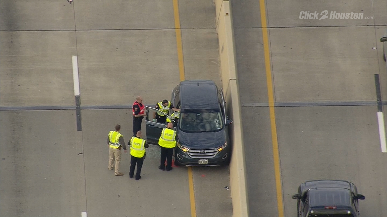 Driver killed when bolt crash his window for La porte tx breaking news