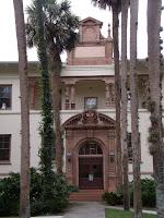 Ponce de León Hall en la Stetson University