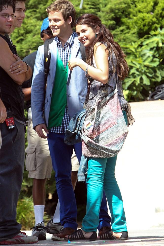 "TODO MODA: Selena Gomez rodando ""Parental Guidance Suggested"""