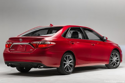 2017 Toyota Camry rear view hd image