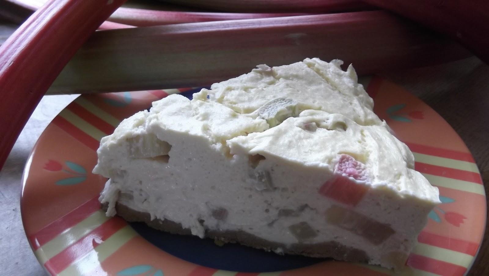Holistic Health Rhabarber Quark Kuchen