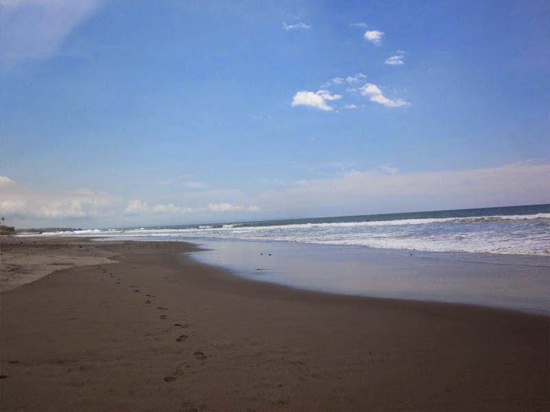 Tempat Wisata Pantai Yeh Gangga Tabanan
