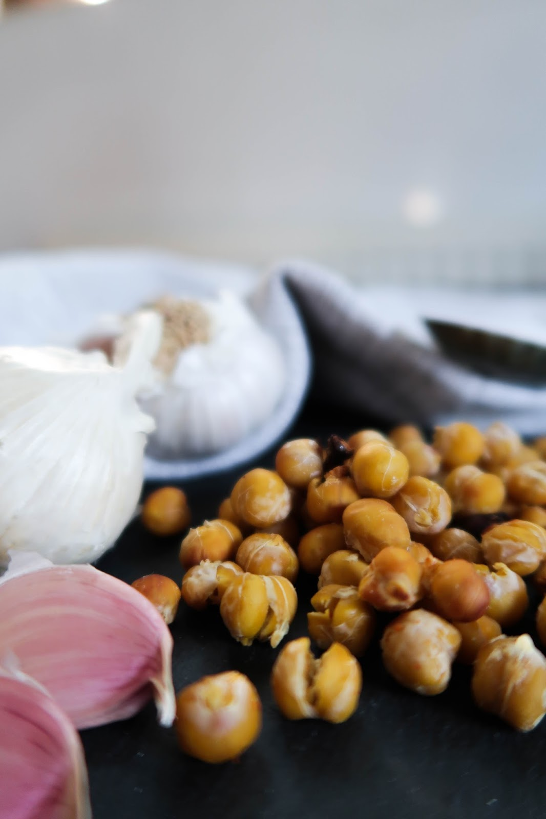 Crispy roasted chickpeas: sweet, salty & spicy recipe