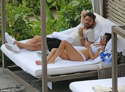 Kourtney Kardashian Goes On Holiday With Ex & Their Kids 1