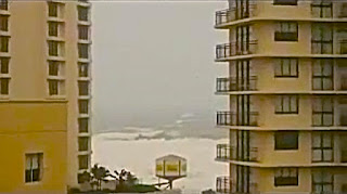 Cyclone Oswald Hits Surfers Paradise city 2013