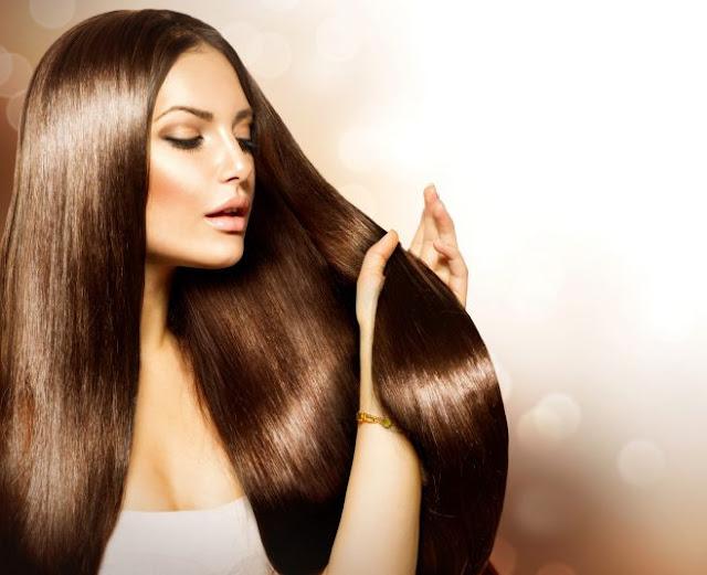 Sposoby na lśniące i błyszczące włosy
