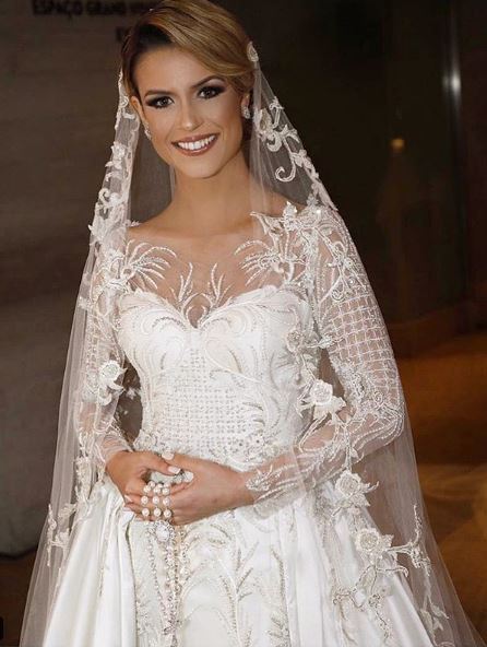 Beca Milano vestido noiva