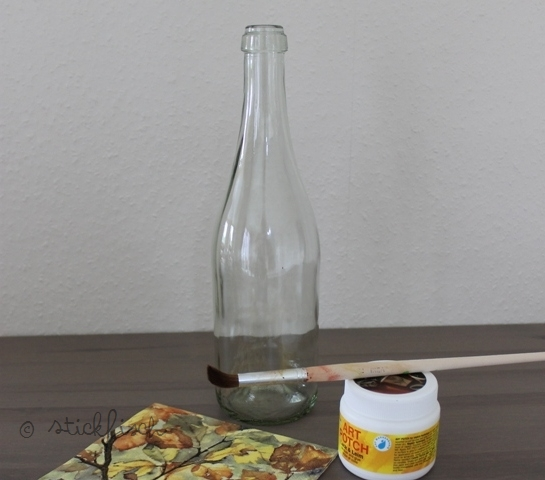 flaschen lampe mit serviettentechnik nordahage. Black Bedroom Furniture Sets. Home Design Ideas