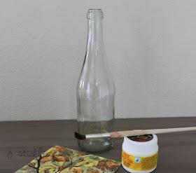 NORDAHAGE: Flaschen-Lampe mit Serviettentechnik