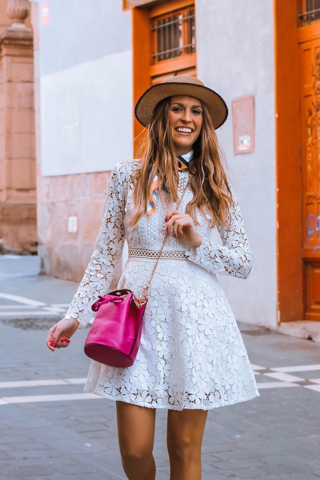 como combinar vestido blanco de crochet