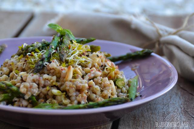 Ensalada de trigo sarraceno y espárragos con aderezo de tahini 6