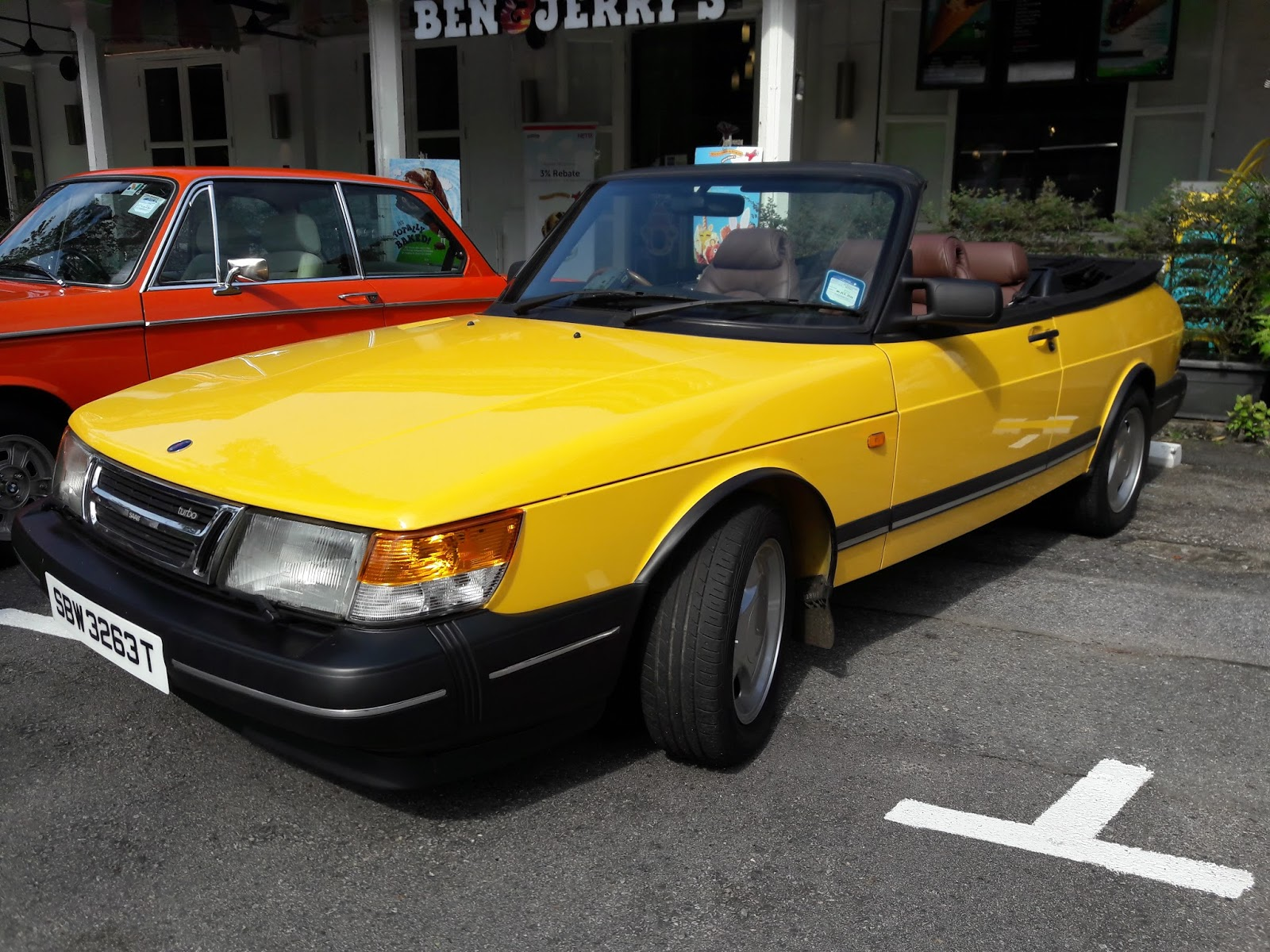 Singapore Vintage and Classic Cars: More than an old car #31: Saab 900