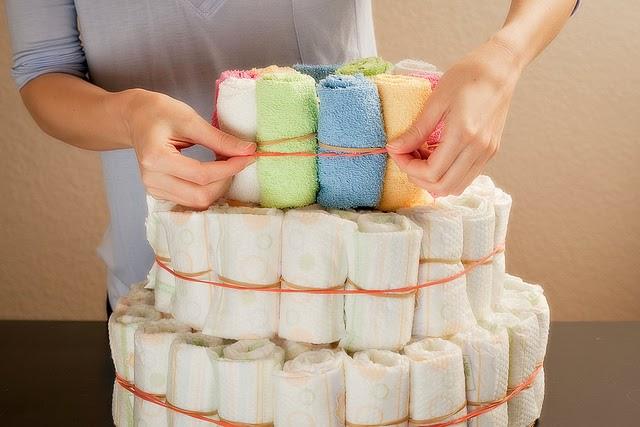 Cómo hacer una torta de pañales