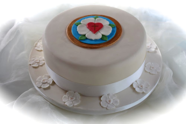 Konfirmationstorte - Confirmation Cake with Luther Rose