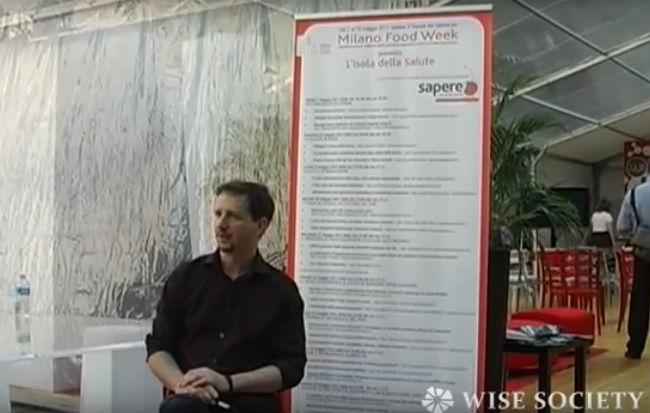 Il biologo nutrizionista e naturopata Luca Avoledo